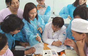 Equipment and user training in the hospital laboratory Dzuun Mod, Mongolia